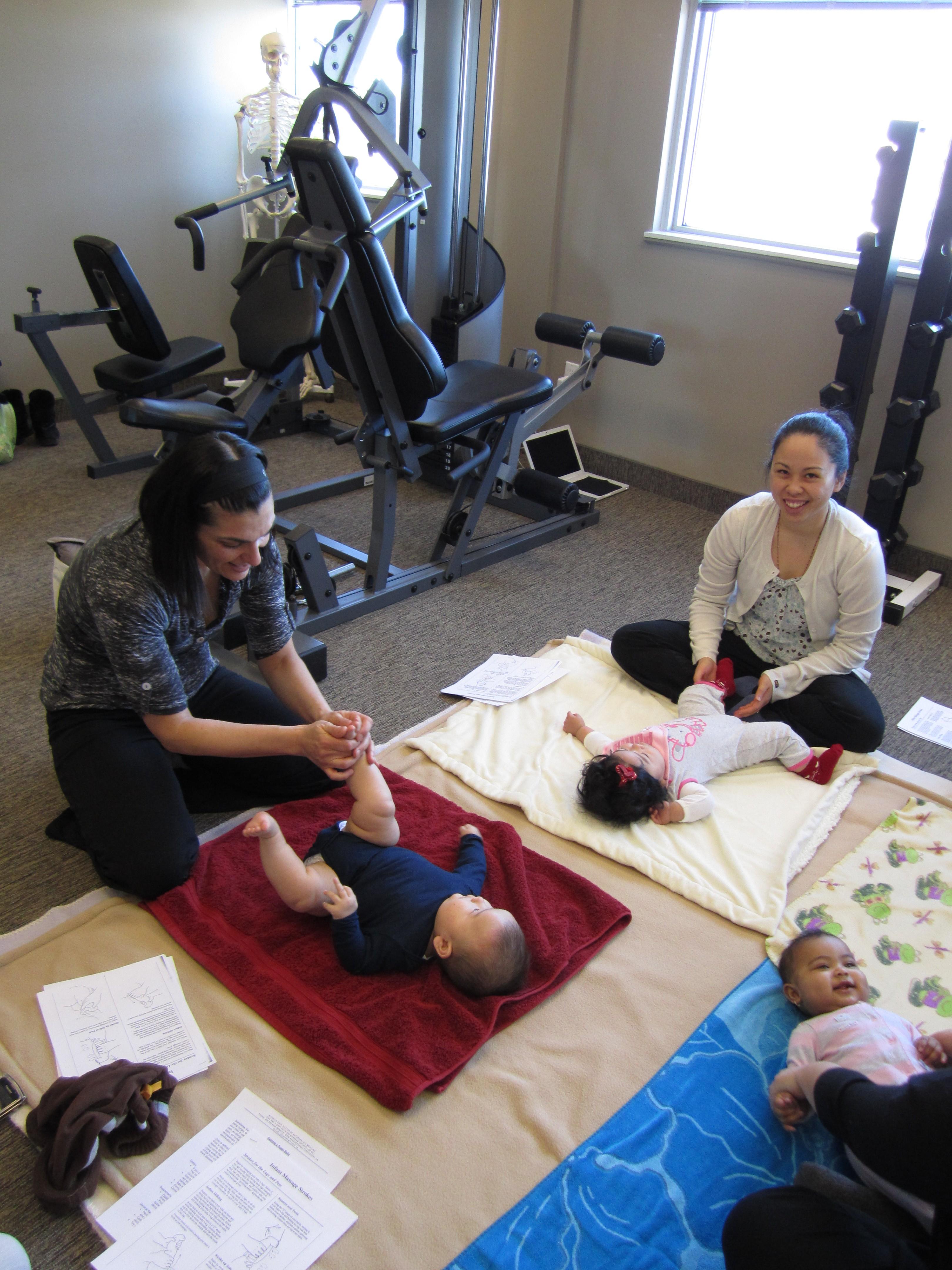 Spædbarns- og pædiatrisk massageterapi Avanceret sundhed-1872